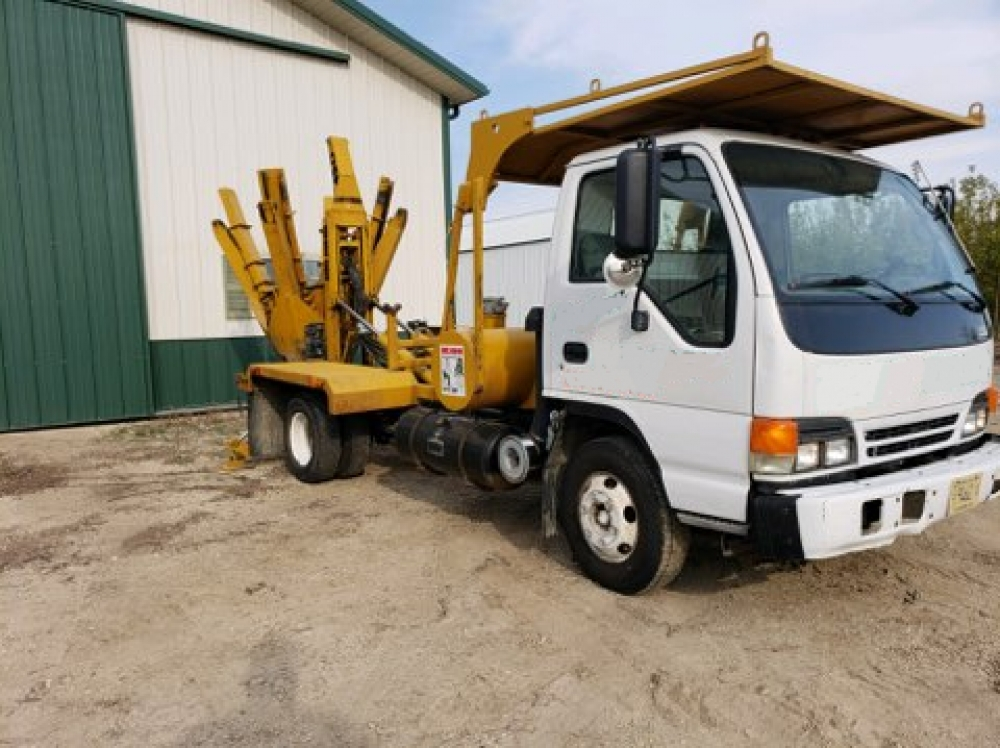 (#08335) Big John 45D on 2002 Isuzu MPR Diesel