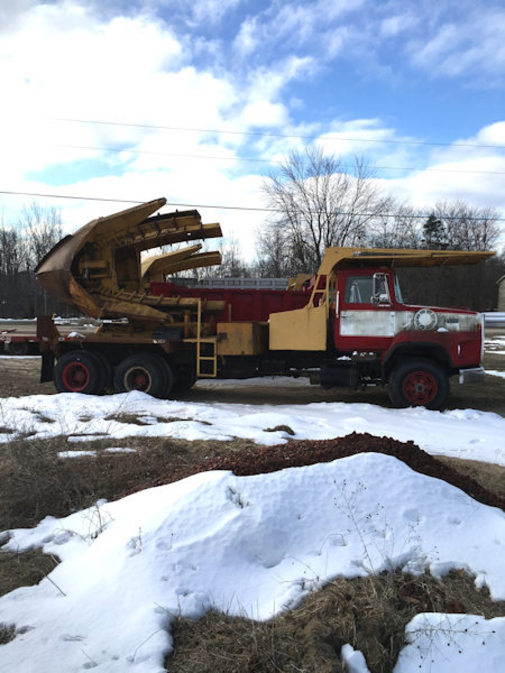(#08314) 1989 Ford L-8000 with Big John 90